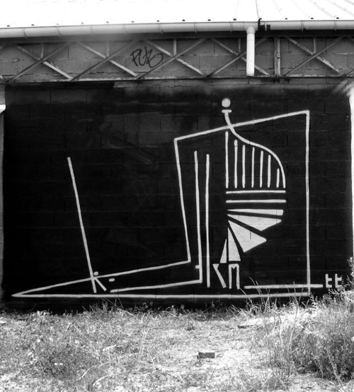 Tags et graffitis, street art, banksy... - Page 2 R8
